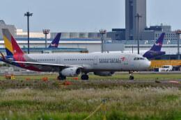 南国の防人さんが、成田国際空港で撮影したアシアナ航空 A321-231の航空フォト(飛行機 写真・画像)