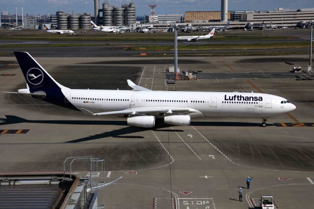 sin747さんが、羽田空港で撮影したルフトハンザドイツ航空 A340-313Xの航空フォト(飛行機 写真・画像)