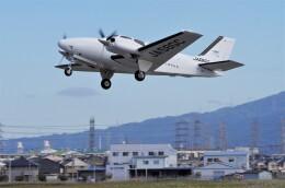 mild lifeさんが、八尾空港で撮影した朝日航空 G58 Baronの航空フォト(飛行機 写真・画像)