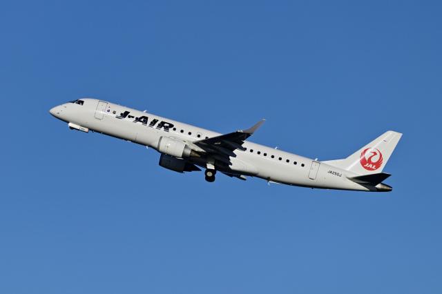 Frankspotterさんが、羽田空港で撮影したジェイエア ERJ-190-100(ERJ-190STD)の航空フォト(飛行機 写真・画像)
