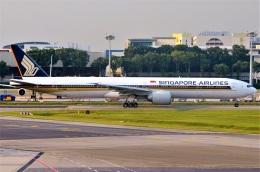 amagoさんが、シンガポール・チャンギ国際空港で撮影したシンガポール航空 777-312/ERの航空フォト(飛行機 写真・画像)