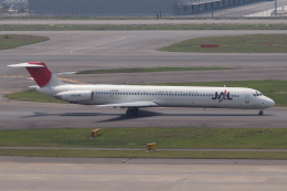 Deepさんが、羽田空港で撮影した日本航空 MD-81 (DC-9-81)の航空フォト(飛行機 写真・画像)