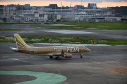 どんちんさんが、福岡空港で撮影したフジドリームエアラインズ ERJ-170-200 (ERJ-175STD)の航空フォト(飛行機 写真・画像)