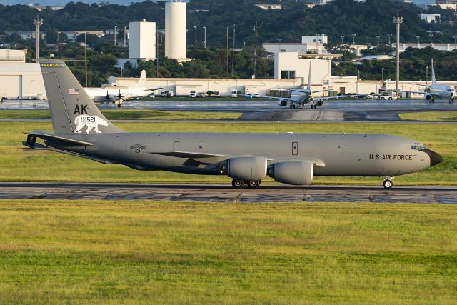 Flankerさんが、嘉手納飛行場で撮影したアメリカ空軍 KC-135R Stratotanker (717-148)の航空フォト(飛行機 写真・画像)