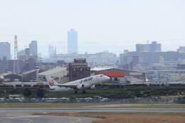 double_licenseさんが、伊丹空港で撮影したジェイエア ERJ-170-100 (ERJ-170STD)の航空フォト(飛行機 写真・画像)