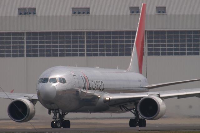 木人さんが、成田国際空港で撮影した日本航空 767-346F/ERの航空フォト(飛行機 写真・画像)