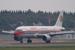 木人さんが、成田国際空港で撮影した中国東方航空 A320-214の航空フォト(飛行機 写真・画像)