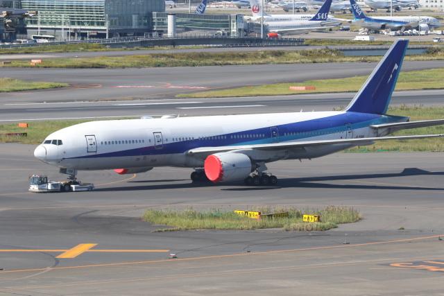 ゴンタさんが、羽田空港で撮影した全日空 777-281/ERの航空フォト(飛行機 写真・画像)