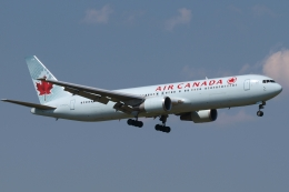 木人さんが、成田国際空港で撮影したエア・カナダ 767-375/ERの航空フォト(飛行機 写真・画像)