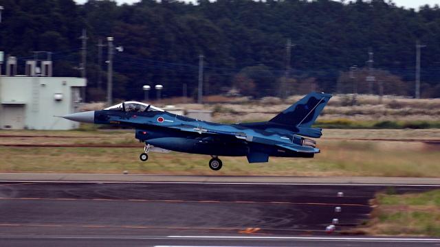 captain_uzさんが、茨城空港で撮影した航空自衛隊 F-2Aの航空フォト(飛行機 写真・画像)