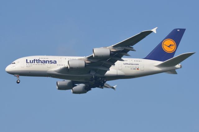 Deepさんが、成田国際空港で撮影したルフトハンザドイツ航空 A380-841の航空フォト(飛行機 写真・画像)