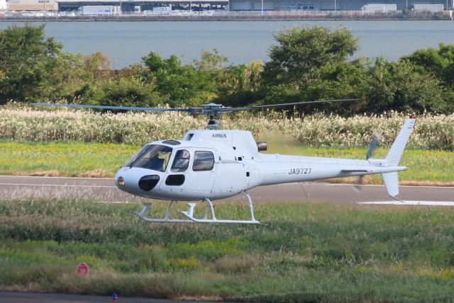 F.YUKIHIDEさんが、岡南飛行場で撮影した高橋ヘリコプターサービス AS350B Ecureuilの航空フォト(飛行機 写真・画像)