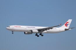 KAZFLYERさんが、成田国際空港で撮影した中国東方航空 A330-343Xの航空フォト(飛行機 写真・画像)