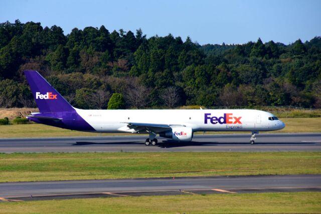 まいけるさんが、成田国際空港で撮影したフェデックス・エクスプレス 757-230(SF)の航空フォト(飛行機 写真・画像)