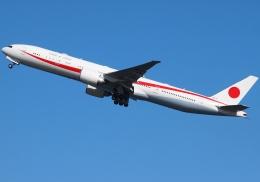 FT51ANさんが、羽田空港で撮影した航空自衛隊 777-3SB/ERの航空フォト(飛行機 写真・画像)