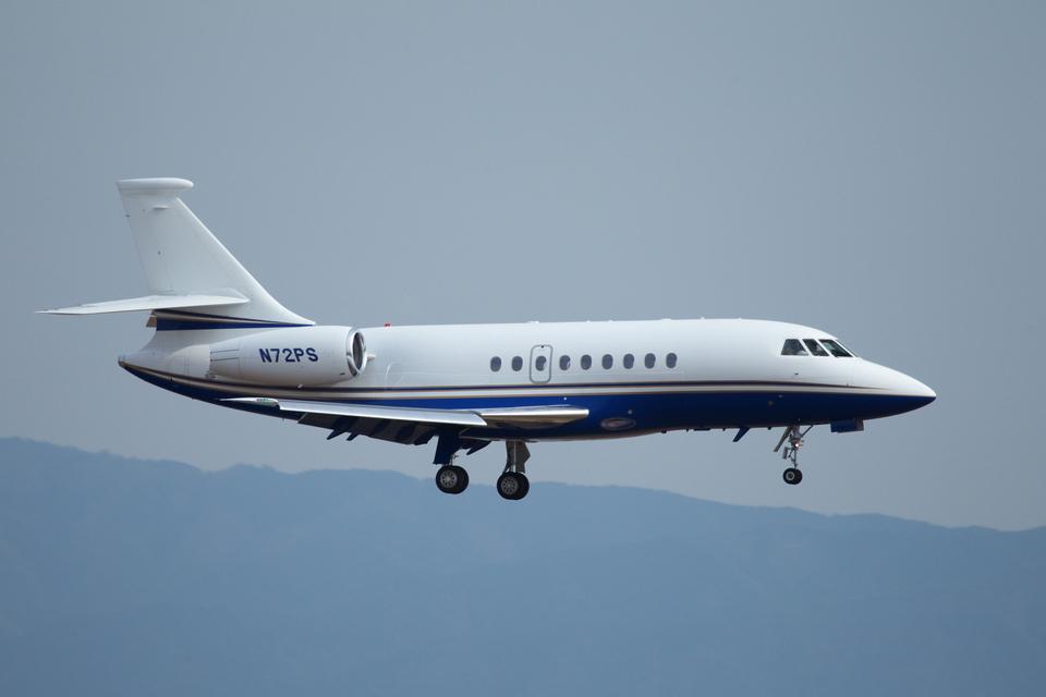 T.Sazenさんの-- Dassault Falcon 2000 (N72PS) 航空フォト