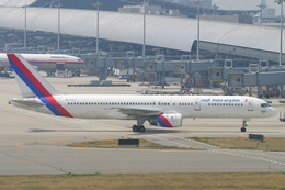 speedbirdさんが、関西国際空港で撮影したロイヤル・ネパール航空 757-2F8の航空フォト(飛行機 写真・画像)