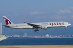 Scotchさんが、関西国際空港で撮影したカタール航空 777-3DZ/ERの航空フォト(飛行機 写真・画像)