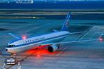 カヤノユウイチさんが、羽田空港で撮影した全日空 767-381の航空フォト(写真)