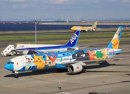 電車の運転士さんが、羽田空港で撮影した全日空 777-381の航空フォト(写真)