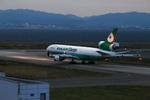T.Sazenさんが、関西国際空港で撮影したエバー航空 MD-11Fの航空フォト(写真)