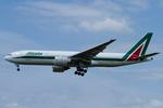 Scotchさんが、成田国際空港で撮影したアリタリア航空 777-243/ERの航空フォト(飛行機 写真・画像)