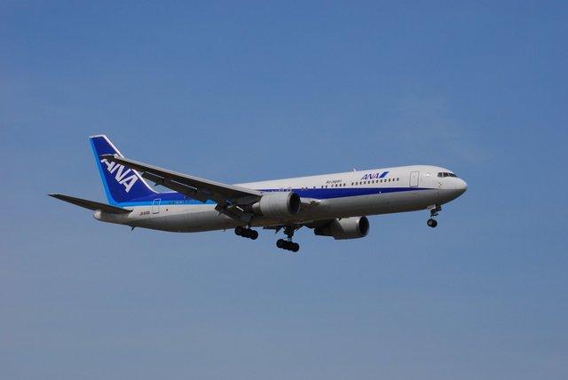 はれいろさんが、成田国際空港で撮影した全日空 767-381/ERの航空フォト(飛行機 写真・画像)