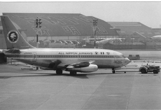 全日空 Boeing 737-200 JA8401 ...