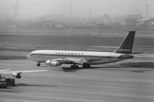 ノースウエスト航空 Boeing 707 ...