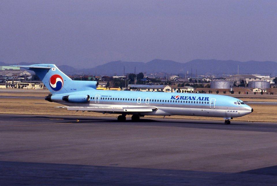 biscayneさんの大韓航空 Boeing 727-200 (HL7366) 航空フォト