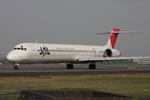 WING_ACEさんが、伊丹空港で撮影した日本航空 MD-90-30の航空フォト(飛行機 写真・画像)