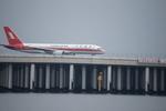 m-takagiさんが、羽田空港で撮影した上海航空 757-26Dの航空フォト(写真)