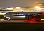 しゅあさんが、伊丹空港で撮影した全日空 767-381の航空フォト(写真)