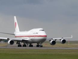 MIL26Tさんが、新潟空港で撮影した航空自衛隊 747-47Cの航空フォト(写真)