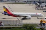WING_ACEさんが、関西国際空港で撮影したアシアナ航空 A320-232の航空フォト(飛行機 写真・画像)