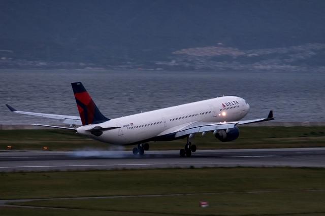 山河 彩さんが、関西国際空港で撮影したデルタ航空 A330-323Xの航空フォト(飛行機 写真・画像)