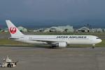 Scotchさんが、小松空港で撮影した日本航空 767-346の航空フォト(写真)