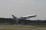 コウさんが、成田国際空港で撮影した全日空 767-381/ERの航空フォト(写真)
