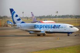 まいけるさんが、スカルノハッタ国際空港で撮影したエクスプレス・エア 737-284/Advの航空フォト(飛行機 写真・画像)