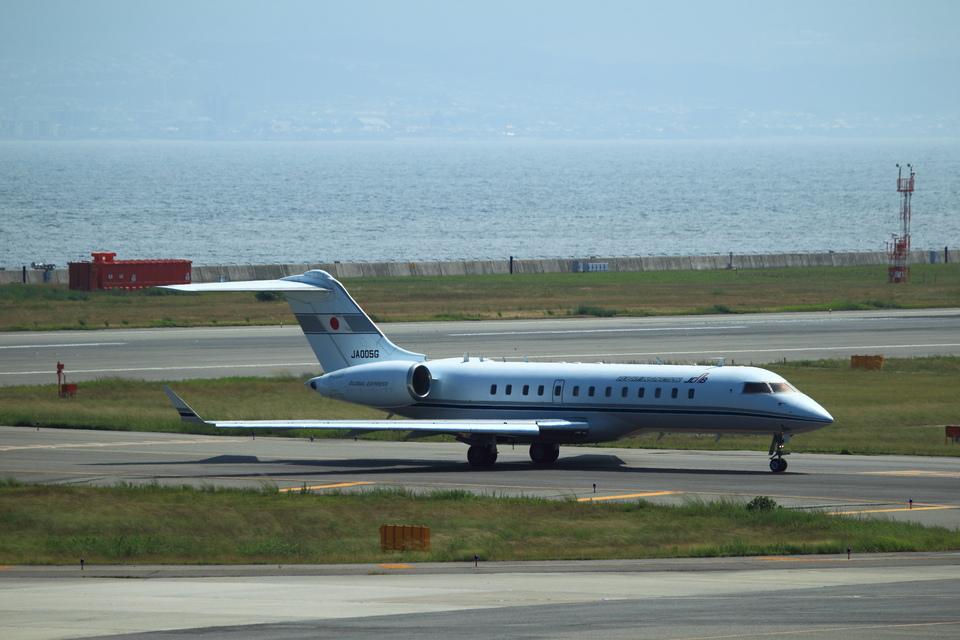 T.Sazenさんの国土交通省 航空局 Bombardier BD-700 Global Express/5000/6000 (ja005g) 航空フォト