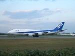 aquaさんが、伊丹空港で撮影した全日空 747-481(D)の航空フォト(写真)