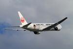 MOHICANさんが、福岡空港で撮影した日本航空 777-246の航空フォト(写真)