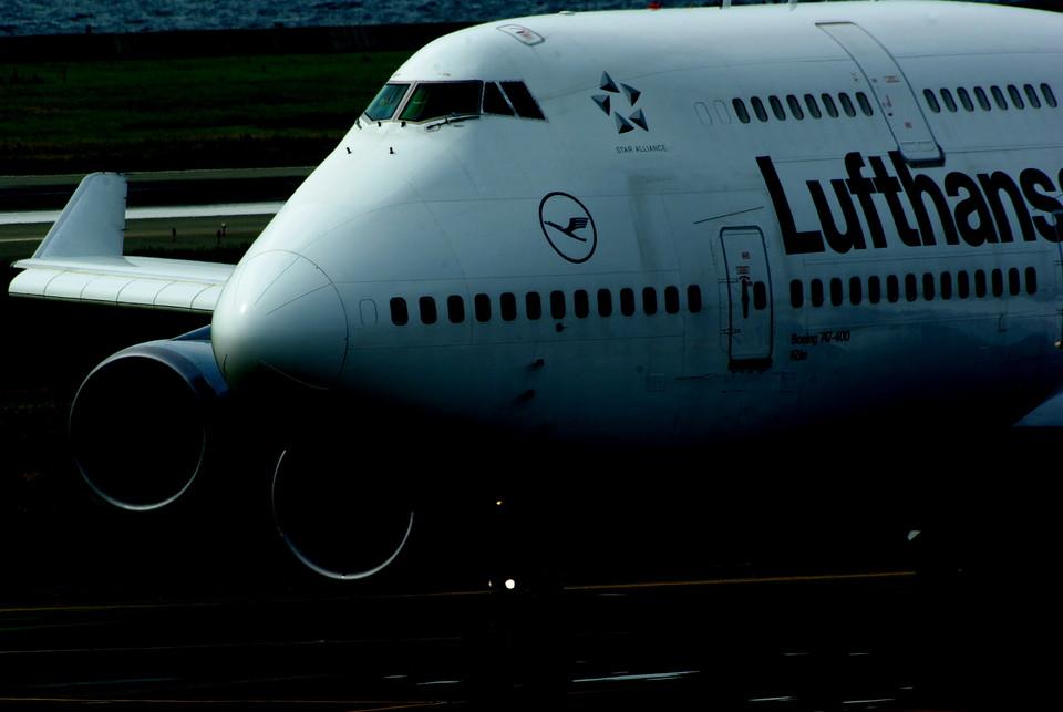 rjnsphotoclub-No.07さんのルフトハンザドイツ航空 Boeing 747-400 (D-ABVR) 航空フォト