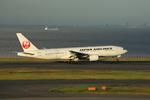 chalk2さんが、羽田空港で撮影した日本航空 777-289の航空フォト(写真)