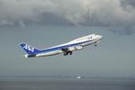chalk2さんが、羽田空港で撮影した全日空 747-481(D)の航空フォト(写真)