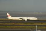 chalk2さんが、羽田空港で撮影した日本航空 777-346の航空フォト(写真)