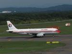 aquaさんが、新千歳空港で撮影した中国東方航空 A320-232の航空フォト(写真)