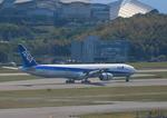 ふじいあきらさんが、福岡空港で撮影した全日空 777-381の航空フォト(写真)