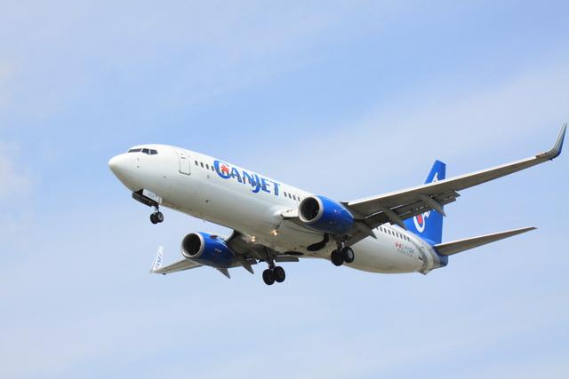 Booneさんが、オヘア国際空港で撮影したキャンジェット航空 737-8ASの航空フォト(飛行機 写真・画像)