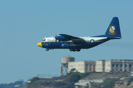 yamachan_papaさんが、オークランド国際空港で撮影したアメリカ海軍 C-130T Herculesの航空フォト(飛行機 写真・画像)